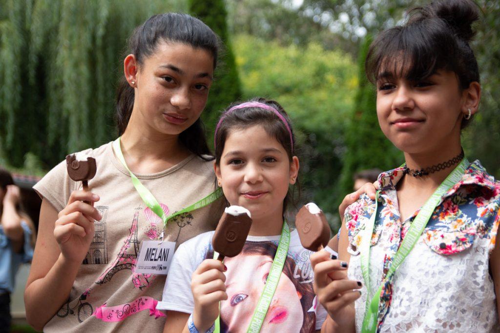 PEOPLE TEAM-esek fagylaltozás közepette